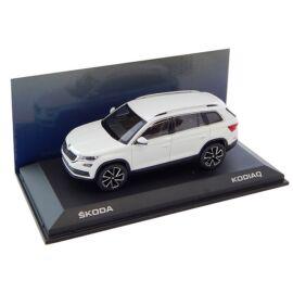 Skoda Kodiaq modell autó 1:43 fehér