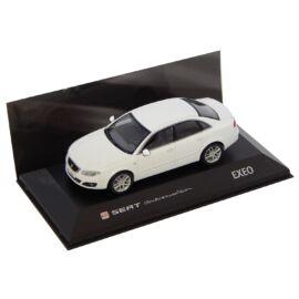 Seat Exeo Sedan Candy White Dealer packaging modell autó 1:43