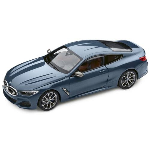 Bmw 8 Series Coupé Barcelona Blue Metallic modell autó 1:18