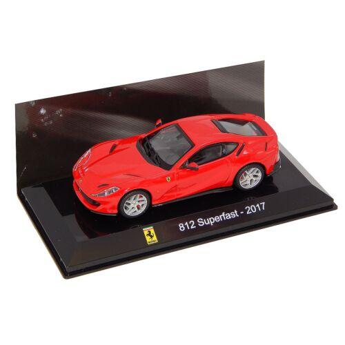Ferrari 812 Superfast -2017 red modell autó 1:43