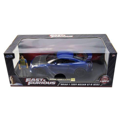 F&F Brian & 2009 Nissan GT-R (R35) with lights szett modell autó 1:18