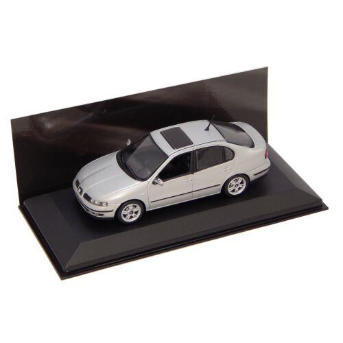 Seat Toledo 1998/2004 silver Dealer packaging modell autó 1:43